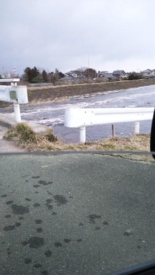 蛭田川津波が引いています。